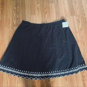 Sag Harbor Scalloped Skirt Black White Polkadot 3X
